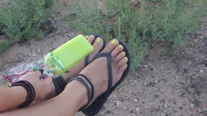 yes my popsicle matches my toes